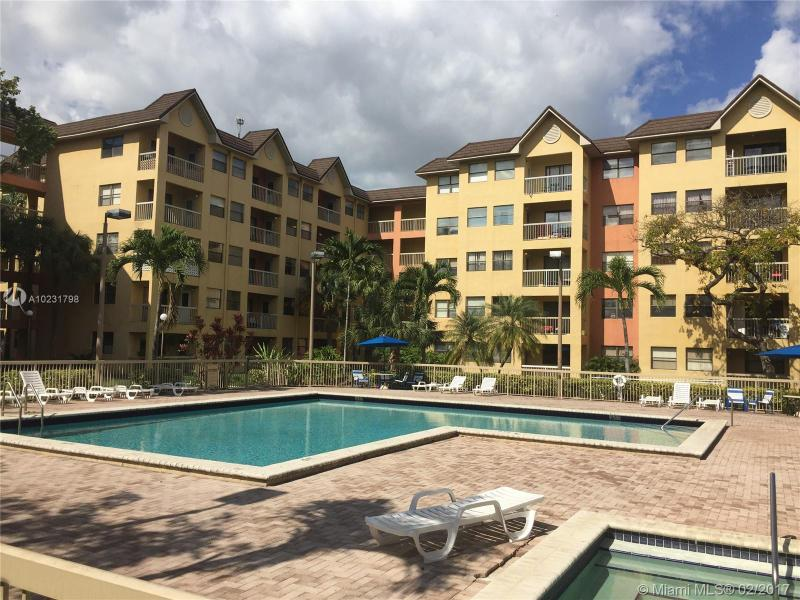 5241 Geneva Way  Unit 105, Doral, FL 33166