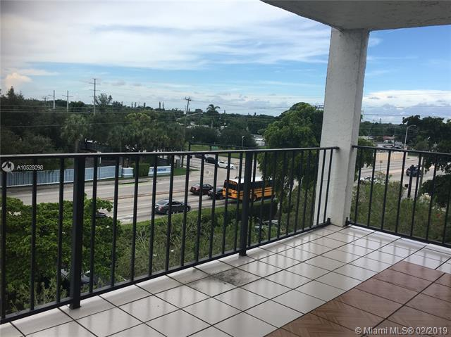 9081 Lime Bay Blvd, Tamarac FL 33321-8627
