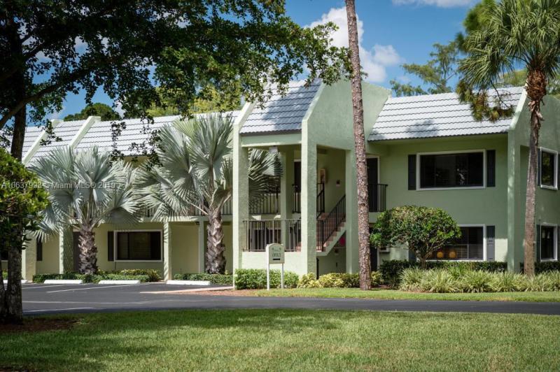 711  Forest Club Dr  Unit 319, Wellington, FL 33414-