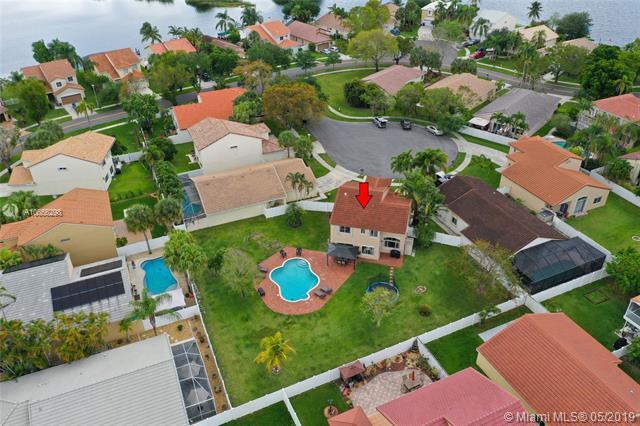 17606 SW 10th St , Pembroke Pines, FL 33029-4845