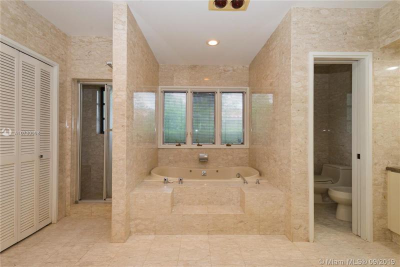 1170 S Alhambra Cir, Coral Gables, FL, 33146