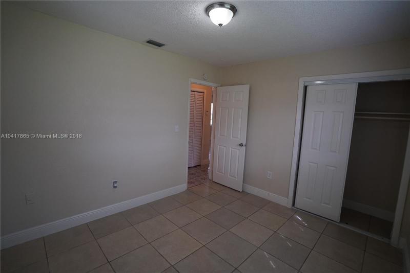Imagen 12 de Single Family Florida>Miami>Miami-Dade   - Sale:199.900 US Dollar - codigo: A10417865