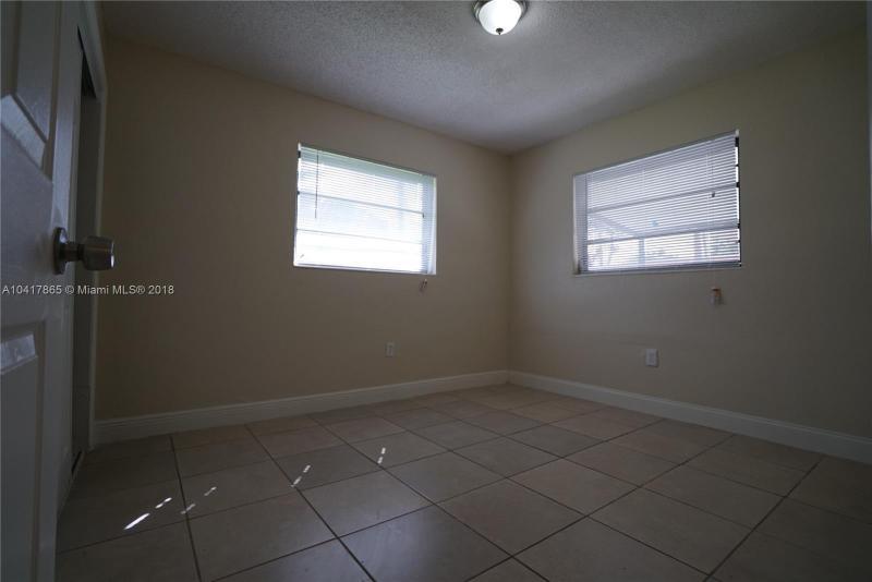 Imagen 9 de Single Family Florida>Miami>Miami-Dade   - Sale:199.900 US Dollar - codigo: A10417865
