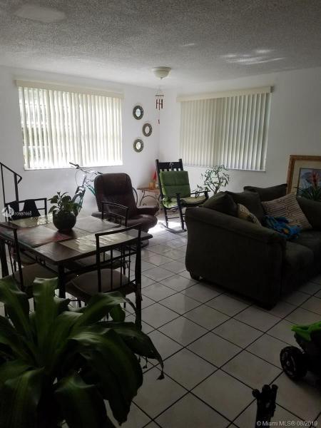 1255 W 53rd St 402, Hialeah, FL, 33012