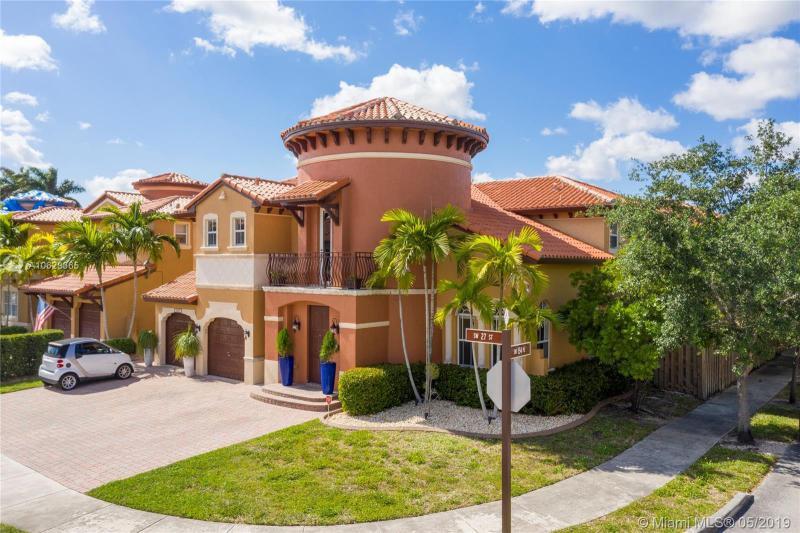 15451 SW 27th St,  Miami, FL