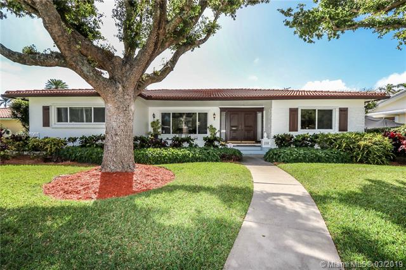 1311  Madison St , Hollywood, FL 33019-1819