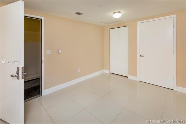 475 Brickell Ave 1907, Miami, FL, 33131