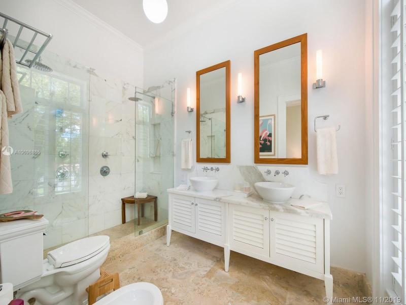 645 Almeria Ave 645, Coral Gables, FL, 33134