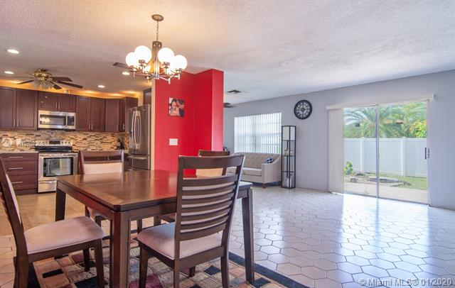 8108 SW 20th St, North Lauderdale, FL, 33068
