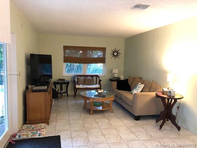 215 SE 6th St, Dania Beach, FL, 33004