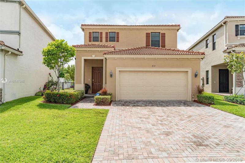 854 NE 191st St,  Miami, FL