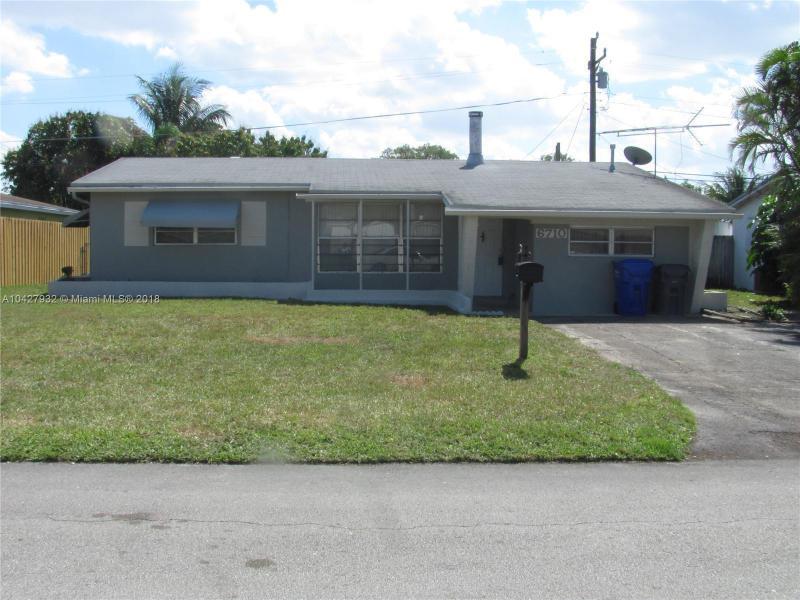 6650  Charleston St , Hollywood, FL 33024-2945