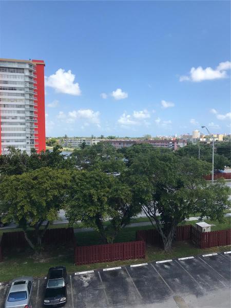 Miami Gardens, FL 33179- MLS#A10550332 Image 3