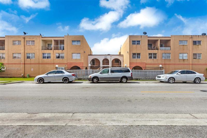 1300 W 53rd St 32, Hialeah, FL, 33012