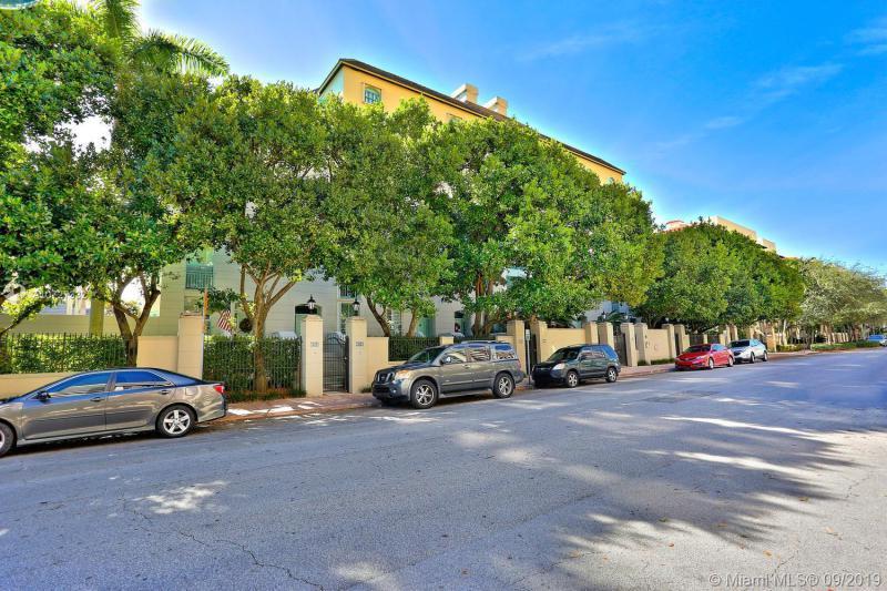 614 Valencia Avenue 103, Coral Gables, FL, 33134