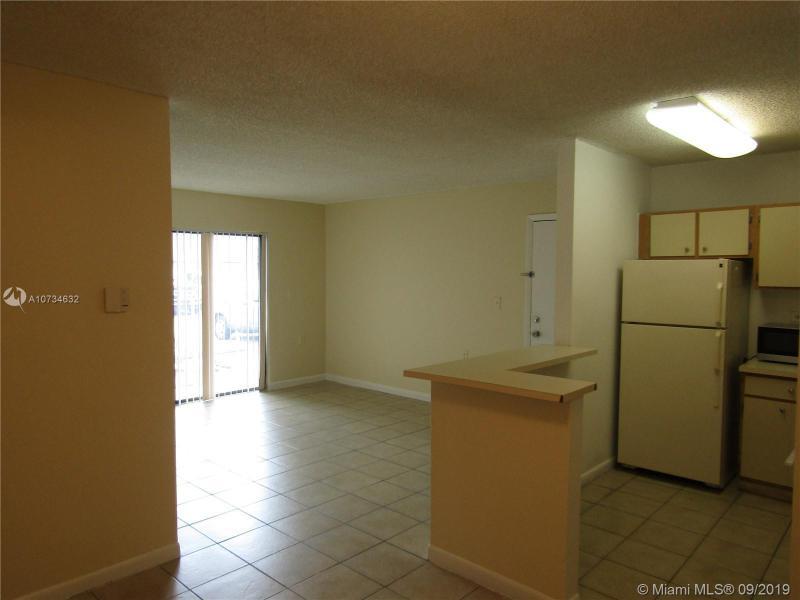7030 NW 179th St 104, Hialeah, FL, 33015