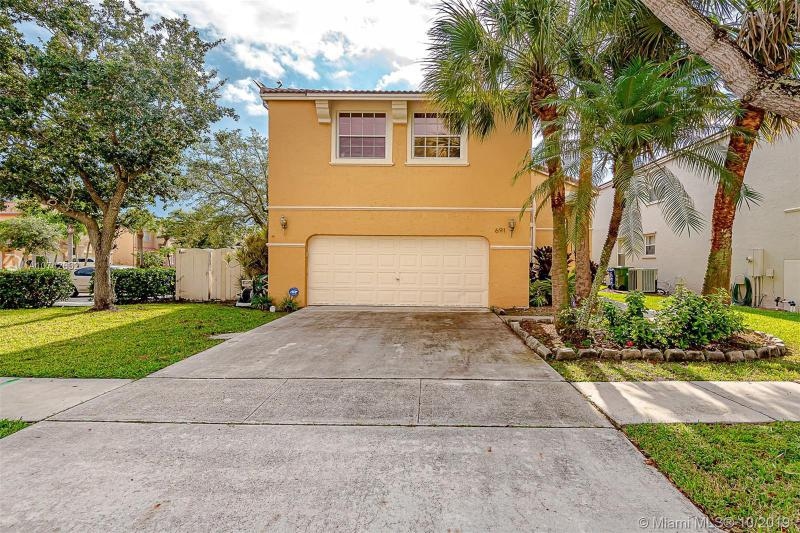 691 NW 157th Ln, Pembroke Pines, FL, 33028