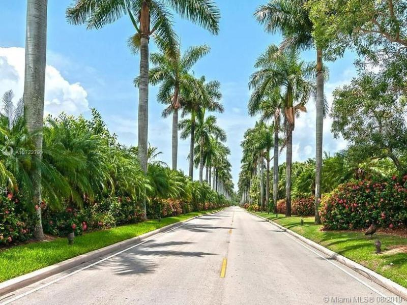 13621 DEERING BAY DR 501, Coral Gables, FL, 33158