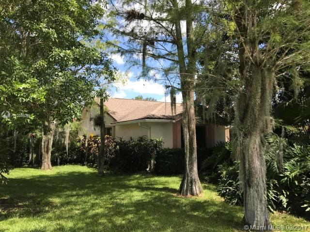 14686 Horseshoe Trace, Wellington FL 33414-