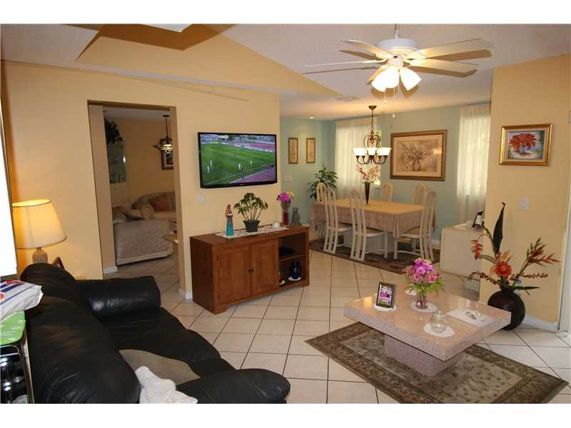 Plantation Condo/Villa/Co-op/Town Home A10179066