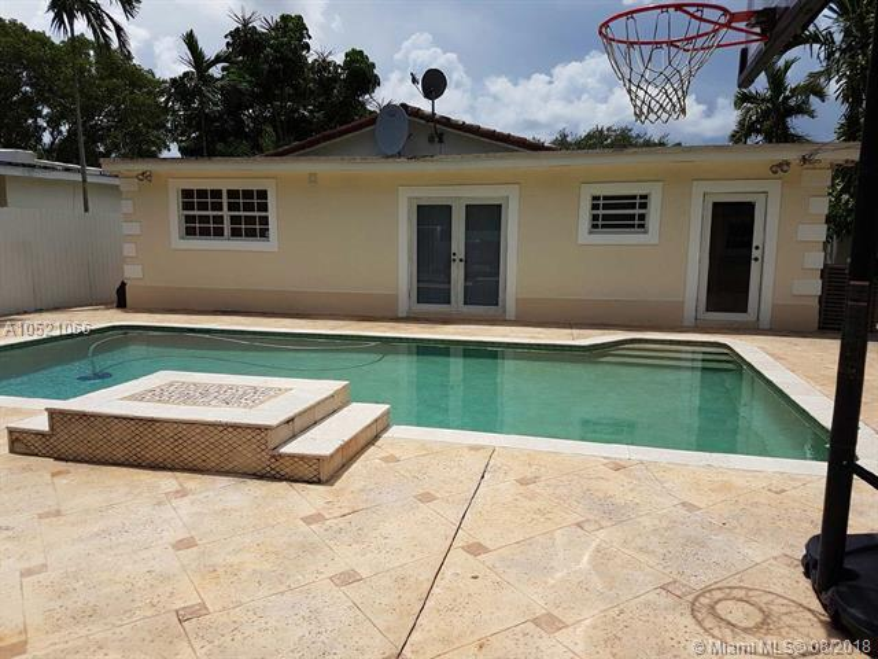 789  Pinecrest Dr , Miami Springs, FL 33166-6044