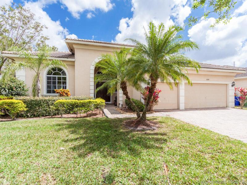 19265 SW 66th St , Pembroke Pines, FL 33332-1641