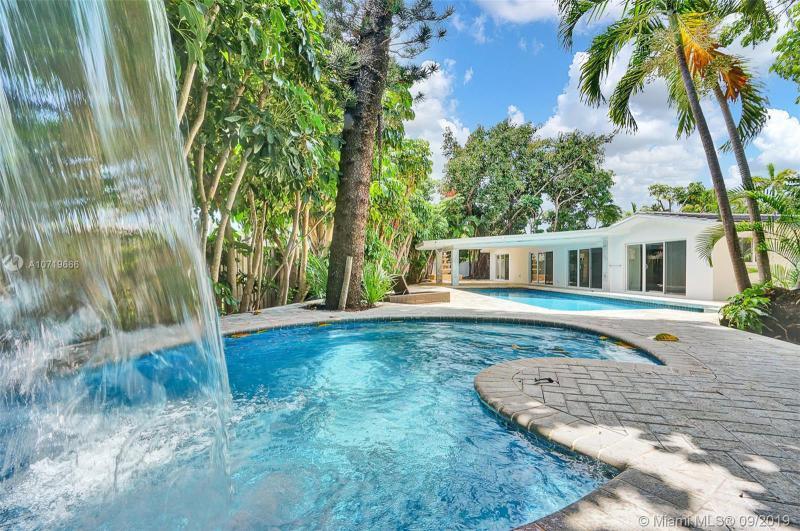 1800 SE 24 Ave (Admirals Way),  Fort Lauderdale, FL