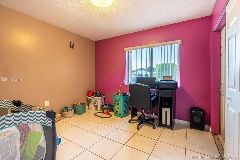 2884 W 75th St, Hialeah, FL, 33018