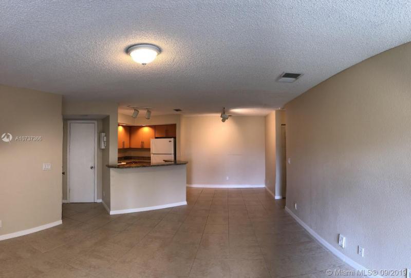 3390 N Pinewalk Dr N 1012, Margate, FL, 33063