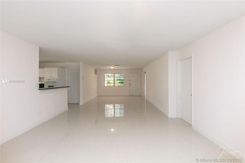 For Sale at  2279 NE 174Th Ter North Miami Beach  FL 33160 - Fulford By The Sea Sec C - 3 bedroom 2 bath A10250033_10