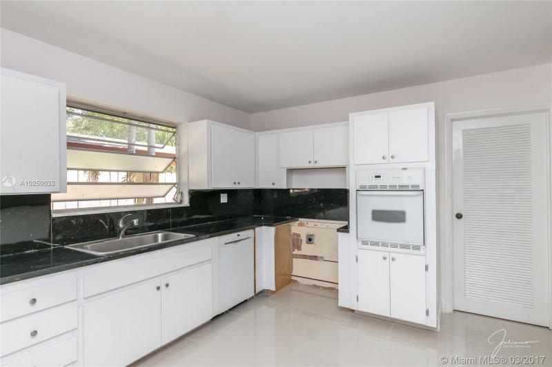 For Sale at  2279 NE 174Th Ter North Miami Beach  FL 33160 - Fulford By The Sea Sec C - 3 bedroom 2 bath A10250033_13