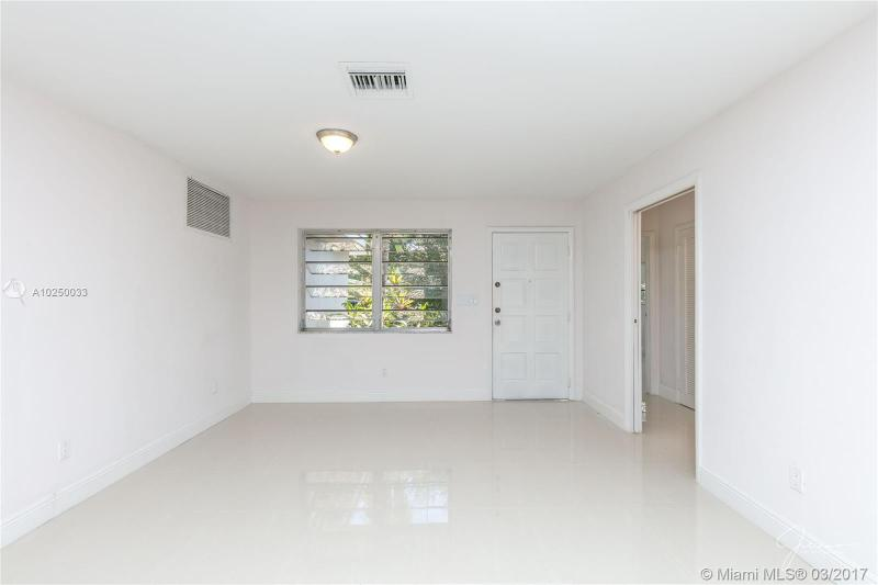 For Sale at  2279 NE 174Th Ter North Miami Beach  FL 33160 - Fulford By The Sea Sec C - 3 bedroom 2 bath A10250033_18