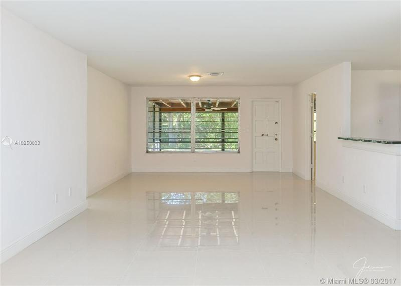For Sale at  2279 NE 174Th Ter North Miami Beach  FL 33160 - Fulford By The Sea Sec C - 3 bedroom 2 bath A10250033_20