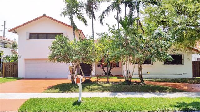 8451 152nd St, Palmetto Bay FL 33157-2148