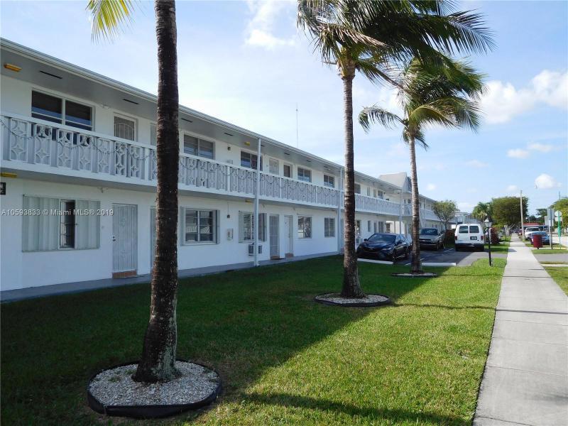 60 NW 79th St , Miami, FL 33150-3057
