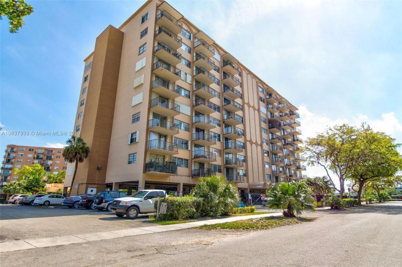 1885 NE 121 ST  Unit 15, North Miami, FL 33181-