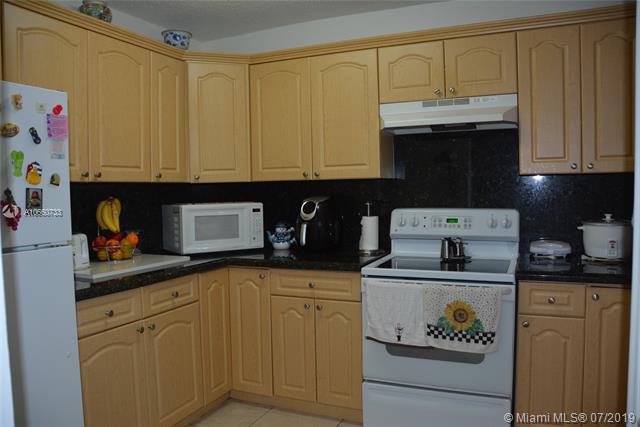 180  Royal Palm Rd  Unit 111, Hialeah Gardens, FL 33016-4628