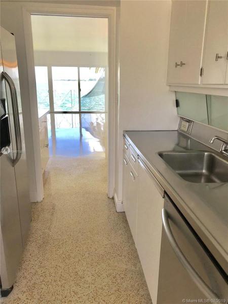8010 East Dr 209, North Bay Village, FL, 33141