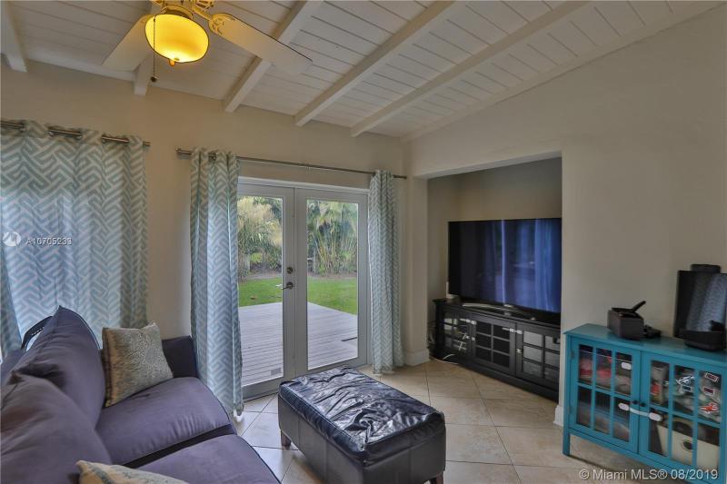 6544 SW 78th Ter, South Miami, FL, 33143