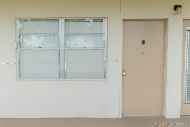 2004 Granada Drive J-1, Coconut Creek, FL, 33066
