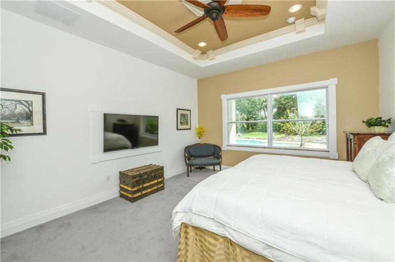 909 NE 143RD, BRADENTON, FL, 34212