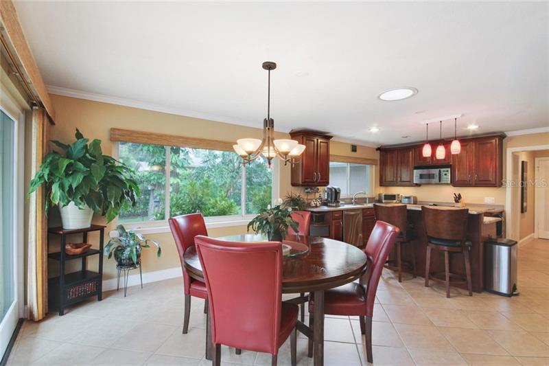 206 ADELAIDE, ALTAMONTE SPRINGS, FL, 32701