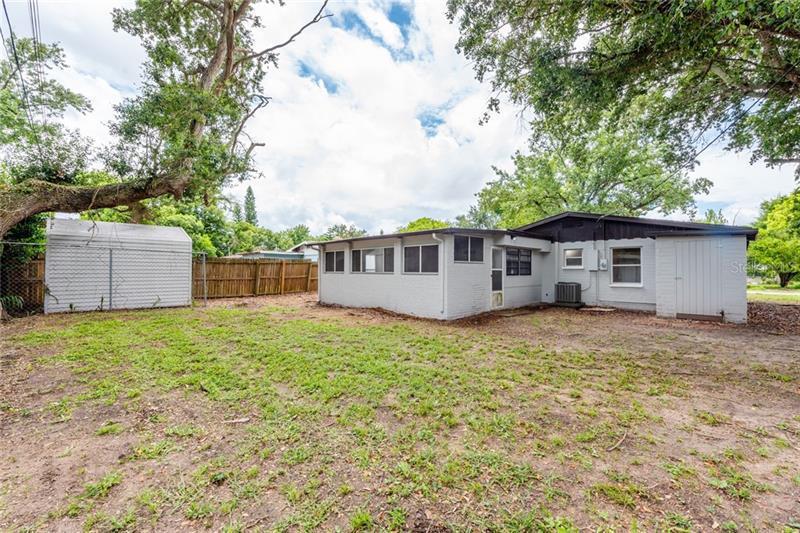 964 GARDENIA, DAYTONA BEACH, FL, 32117