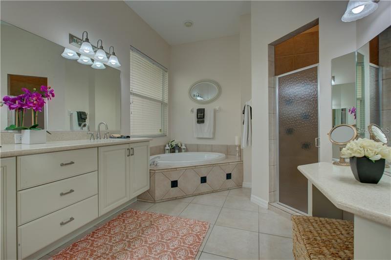 9972 CHERRY HILLS AVENUE, BRADENTON, FL, 34202