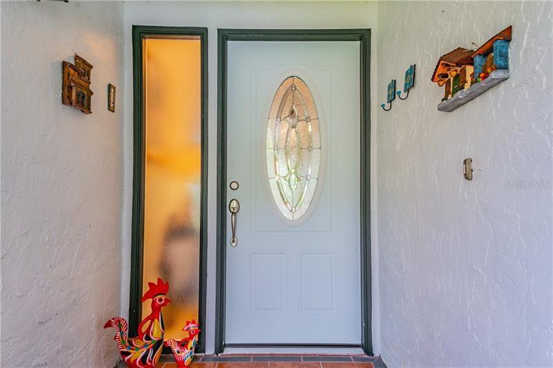 570 NE QUINTANA, ST PETERSBURG, FL, 33703