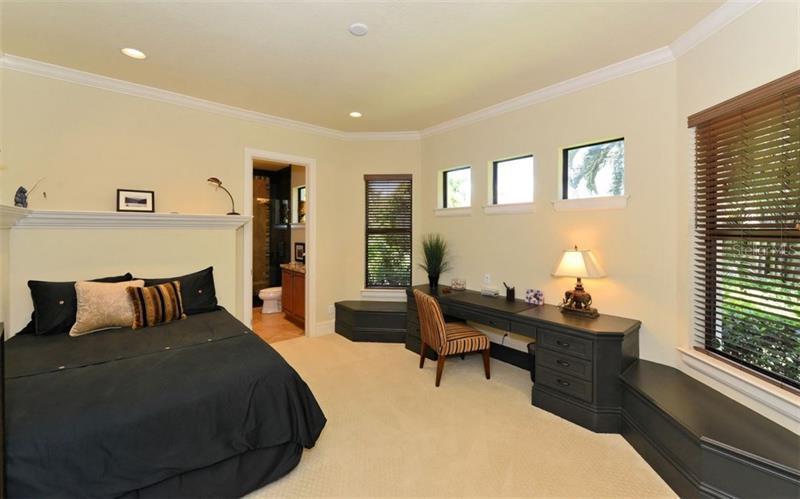 Photo of 7216 Pasadena Glen (A4196070) 19
