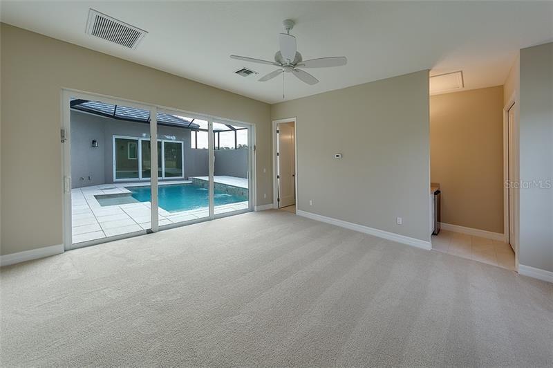 9727 CARNOUSTIE, BRADENTON, FL, 34211