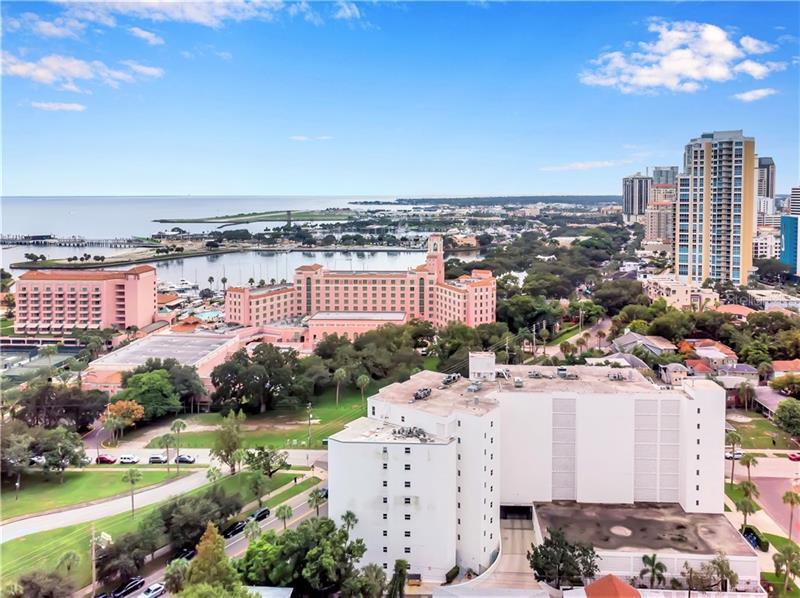 700 NE BEACH 304, ST PETERSBURG, FL, 33701