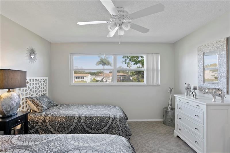 155 NE 97TH, ST PETERSBURG, FL, 33702