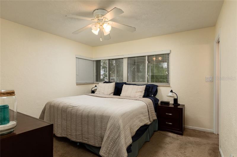 9472 NE TREASURE, ST PETERSBURG, FL, 33702